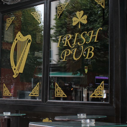 The Harp Irish Pub